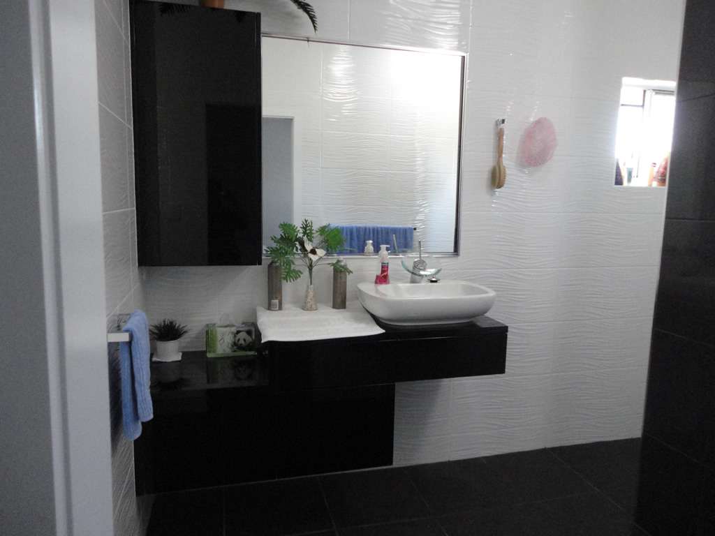 Bill and ben the cabinet men gallery for Bathroom cabinets townsville
